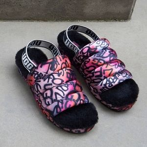 Women's Ugg Puff Yeah Pop Graffiti Size 7